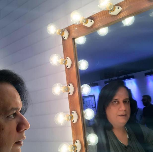 ary mirror pic