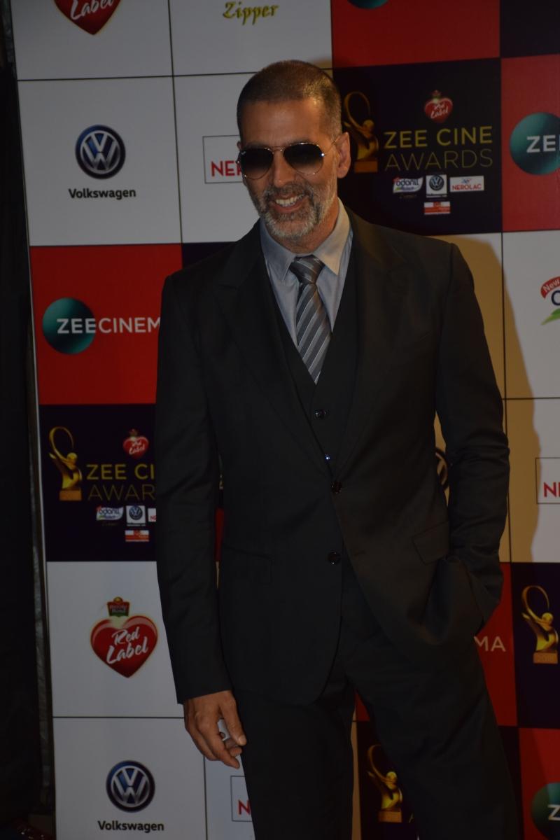 Style Check - Zee Cine Awards 2018 – Akshay Kumar