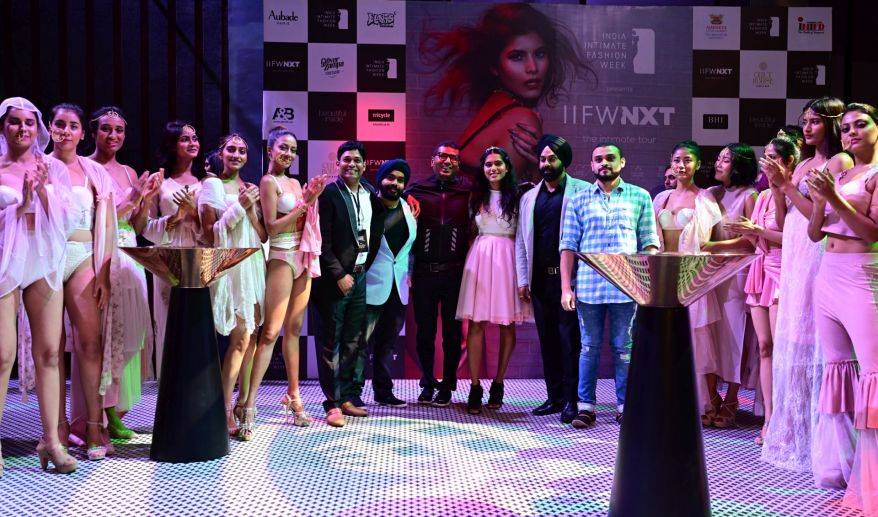(Centre LtoR)Niraj Jawanjal,Founder,IIFW,Co-Owner,Cult House Ramanpreet Singh,Guest of Honour-Rahul Narvekar,Founder-Scale Networks Fund & India Network,Designer Simran Dhond,Cult Co-Owners Rishab Baweja,Rohan Magar
