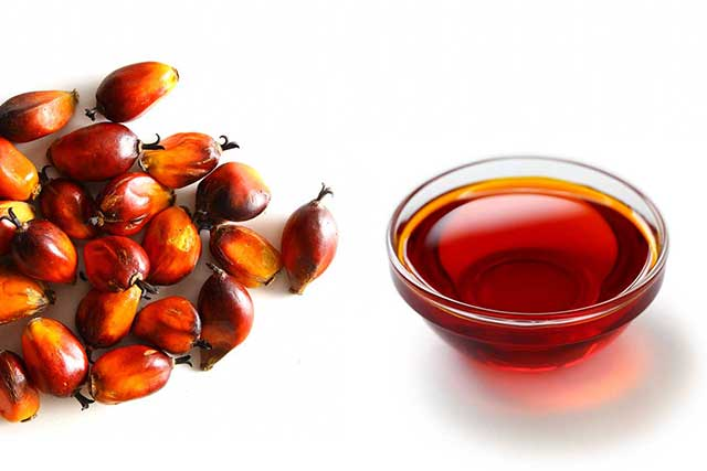 Red-Palm-fruit-and-glass-bowl-red-palm-oil.jpg