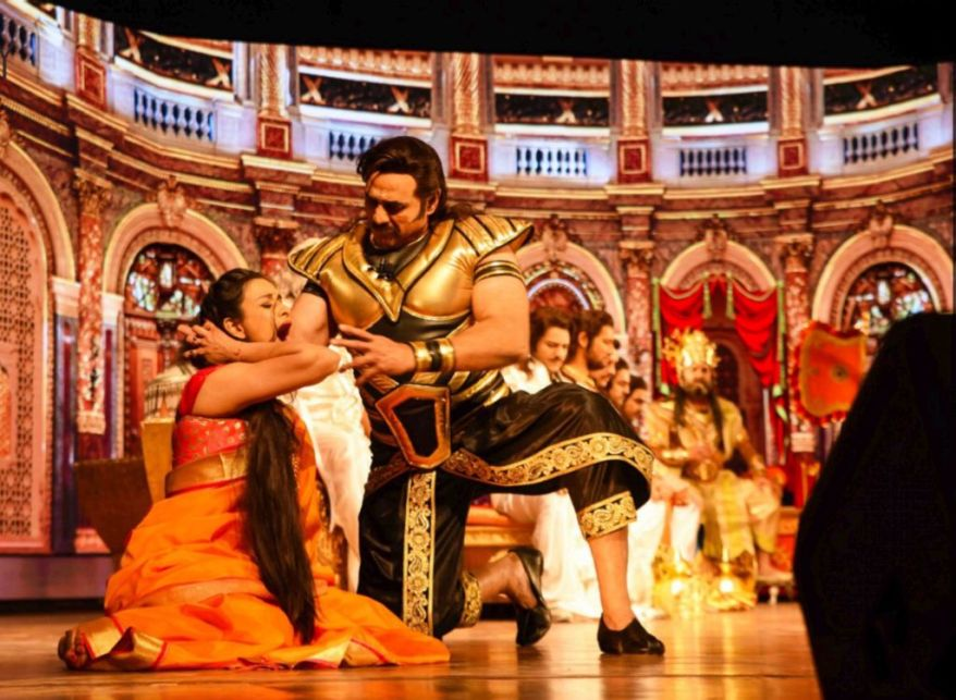 Harleen Rekhi as Draupadi with Puneet Issar as Duryodhan