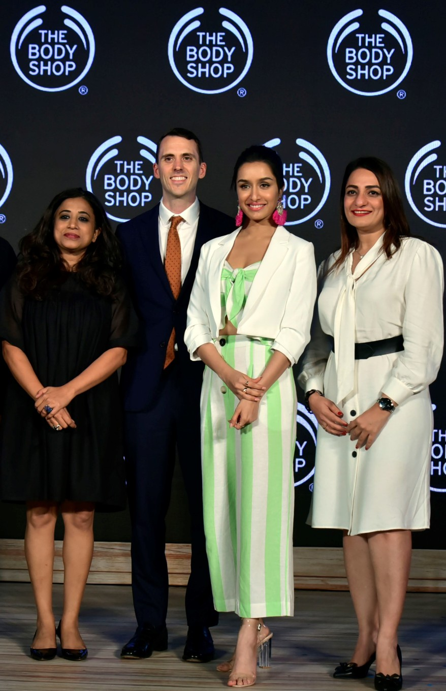 (L-R) Shriti Malhotra-CEO, Russell de Chernatony - APAC Franchise Account Manager, Shraddha Kapoor - New Brand Ambassador, Harmeet Singh - GM Brand Commercial &  Ecommerce, The Body Shop India (1).JPG